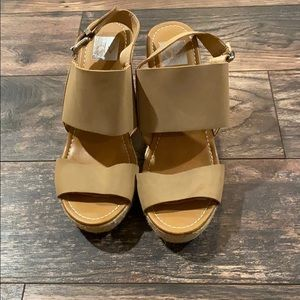 DV Wedge Sandals Tan Size 10